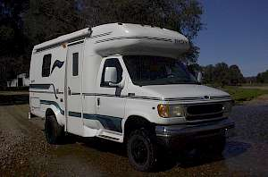 1999 Ford E 350 Coachman RV with Whitefeather 4x4